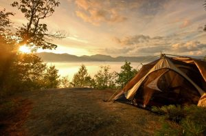 Camping on the coast of the lake